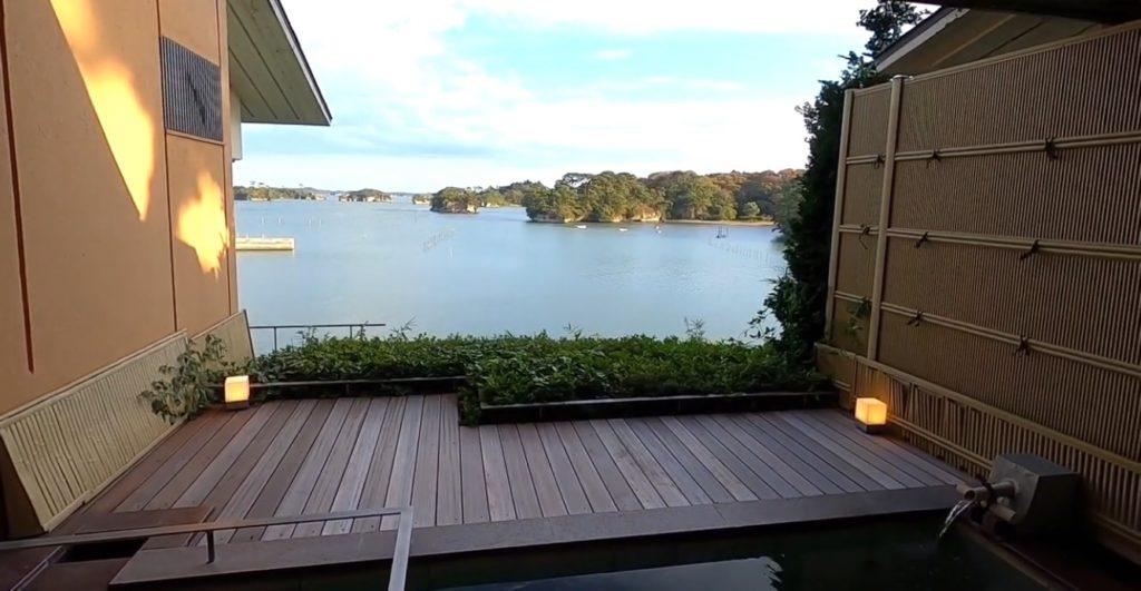アワビやアナゴに舌鼓。露天風呂から眺める朝日が感動的だった!【小松館 好風亭】
