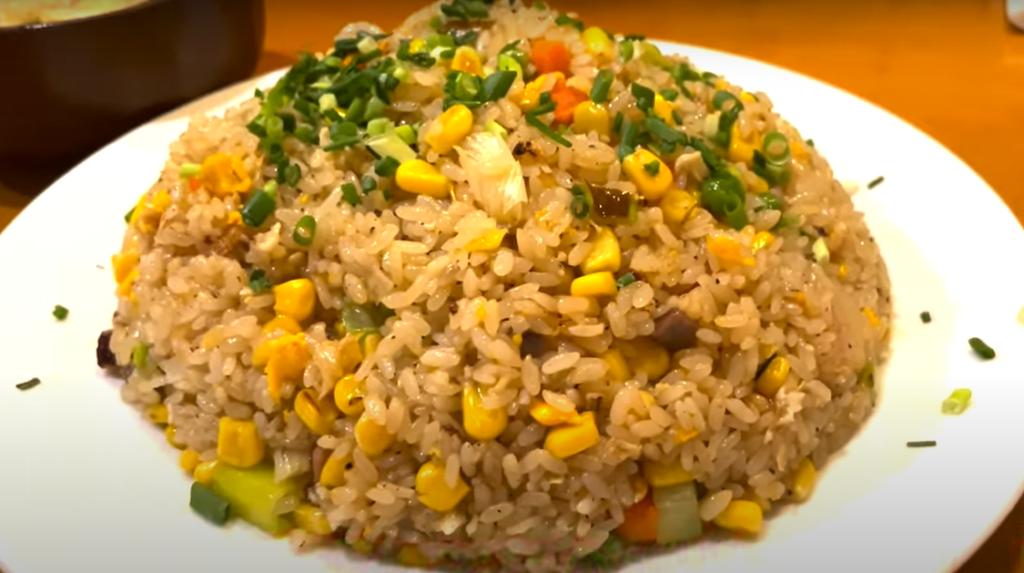 神奈川県の洋食屋で大盛料理に挑戦!【自由亭】
